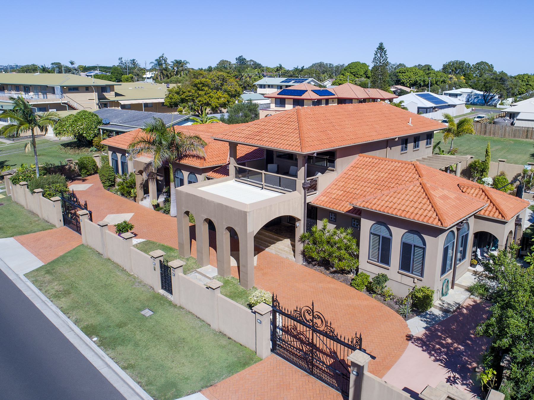 Luxury Property - 190 Esplanade Hervey Bay For Sale